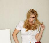 Alisha King - VIPArea 2