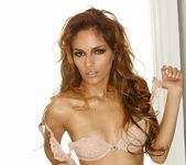 Valerie Rios - VIPArea 24