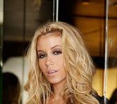 Alisha King - VIPArea 5