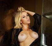Alisha King - VIPArea 29