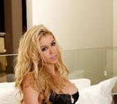 Alisha King - VIPArea 3