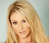 Samantha Ryan - VIPArea 3
