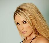Samantha Ryan - VIPArea 8