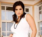 Sunny Leone - VIPArea 16