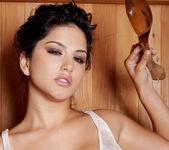 Sunny Leone - VIPArea 7