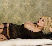 Hanna Hilton - VIPArea 21