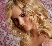 Hanna Hilton - VIPArea 3