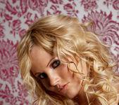 Hanna Hilton - VIPArea 4