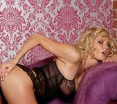 Hanna Hilton - VIPArea 19