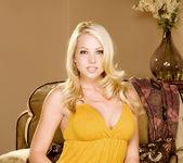 Shawna Lenee - VIPArea 3