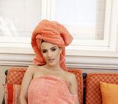 Andie Valentino - VIPArea 3