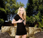 Marlie Moore - VIPArea 3