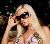 Nikki Benz - VIPArea 3
