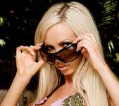 Nikki Benz - VIPArea 4