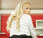 Kathia Nobili, Melane - 21Sextreme 4