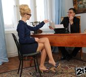 Chary Kiss - 21Sextreme 9