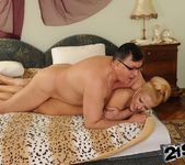 Chary Kiss - 21Sextreme 30