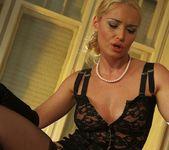 Kathia Nobili, Sophie Lynx 23