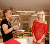 Katy Parker, Tracy Gold - 21Sextreme 4
