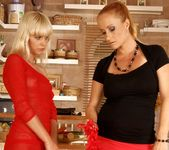 Katy Parker, Tracy Gold - 21Sextreme 9