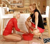 Katy Parker, Tracy Gold - 21Sextreme 11