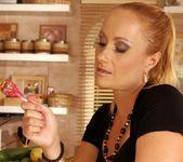 Katy Parker, Tracy Gold - 21Sextreme 20