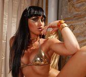 Kathia Nobili, Leyla Black 4