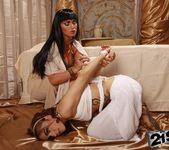 Kathia Nobili, Leyla Black 14