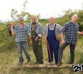 Agata - lumberjack blowbang 2