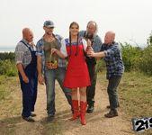 Agata - lumberjack blowbang 4