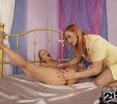Katy Parker, Nikky Thorne - 21Sextreme 18
