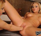 Nikky Thorne, Kayla Green - 21Sextreme 21