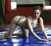 Samantha Bentley vs Chrissie 6