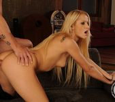 Chary Kiss - 21 Sextury 12