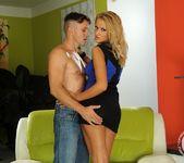 Chary Kiss - 21 Sextury 6