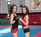 Mira Shine vs Sophie Lynx 9