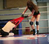 Mira Shine vs Sophie Lynx 16