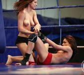 Mira Shine vs Sophie Lynx 18