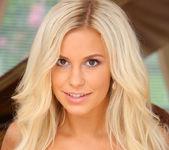 Welcome - Lara - Femjoy 4