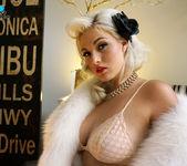 Pinup Doll - Jenna Ivory 6