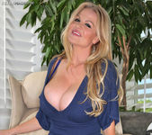 Good Neighbor - Kelly Madison 3