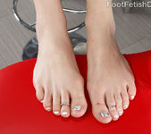 Emma Stoned Has Her Toes Curled While Receiving a Fat Cock 5