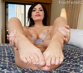 Alexis Blaze Gives Hot FootJob and Gets Fucked 2