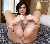 Alexis Blaze Gives Hot FootJob and Gets Fucked 3
