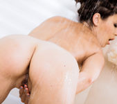 Daisy Haze Plays With Her Pussy In The Bathroom 9