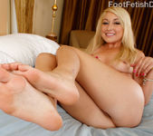Valerie White - Foot Fetish Daily 6