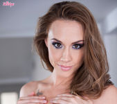Chanel Preston Fucks Herself To An Amazing Orgasm 5