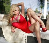 Smokin' Red Hot - Kelly Madison 7