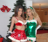 Brianna Ray, Brooklyn Chase - Naughty And Nice 4