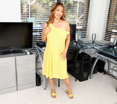 Lucy Page - Naughty Milf - Anilos 7
